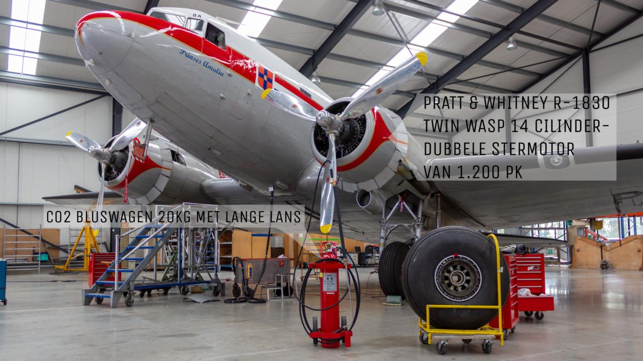CO2 bluswagen voor historisch DC-3 Dakota vliegtuig 1