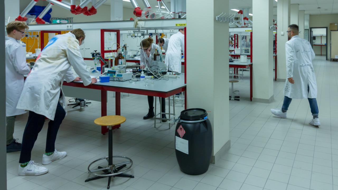 300 duurzame brandblussers voor Rijksuniversiteit Groningen 1
