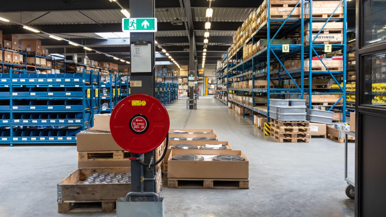 Noodverlichting in logistieke omgeving 12