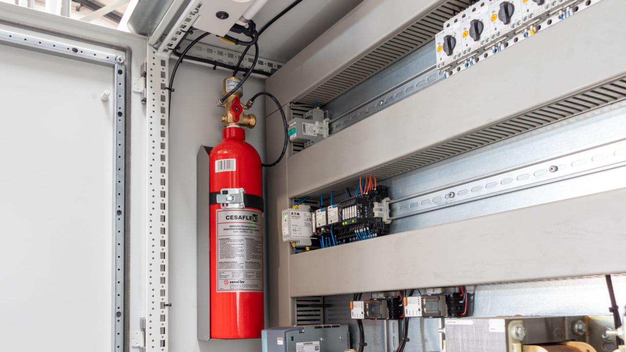 Automatische brandbeveiliging van schakelkasten bij houtverwerker 11