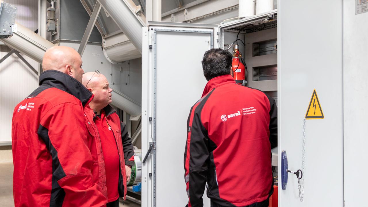 Automatische brandbeveiliging van schakelkasten bij houtverwerker 12