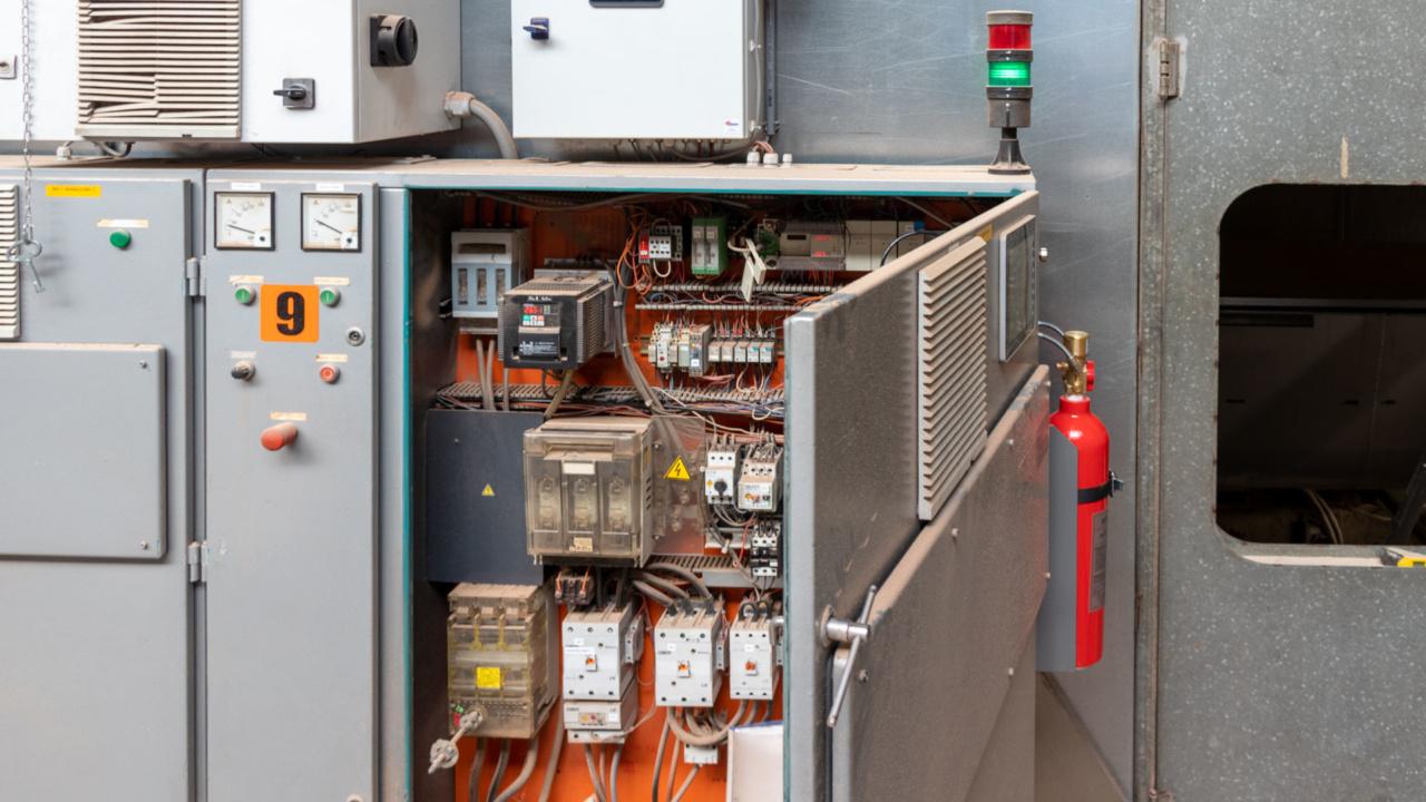 Automatische brandbeveiliging van schakelkasten bij houtverwerker 8